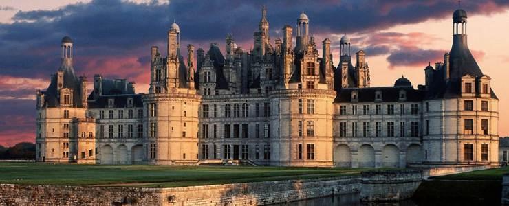 Madrid , Burgos , Barcelona , Zaragoza , Valloire , Blois , Calais , Paris , Limoges , Toulouse-Aeroporto , Londres , Folkestone
