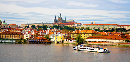 Cesky Krumlov , Praga